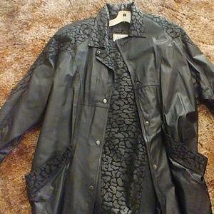 Winlet 2 piece skirt set size Medium leather
